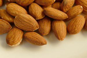 калорийность и польза миндаля